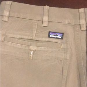Patagonia flat front Chino size 34